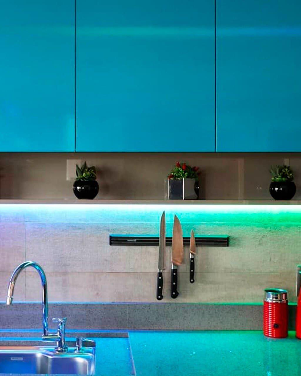 Luz RGB Cozinha